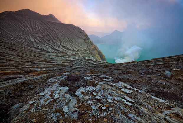 Kawah Ijen sunrise - Kawah Ijen Indonesia