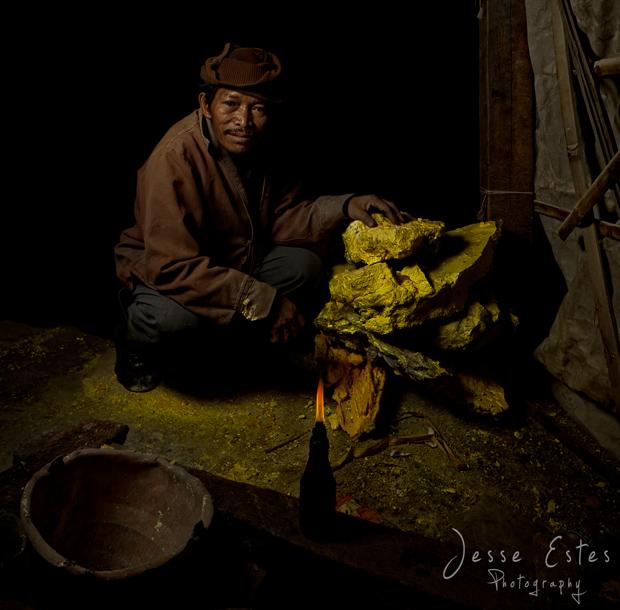 Sulfur Miner - Kawah Ijen Indonesia