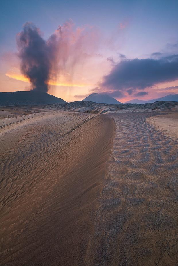 Ash Dunes, Photographing Mount Bromo